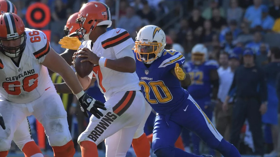 Chargers vs Browns - NFL Package in Glendale - NFL Sunday Ticket Games in October - Kimmyz on Greenway - Image credit Kirby Lee-USA TODAY Sports