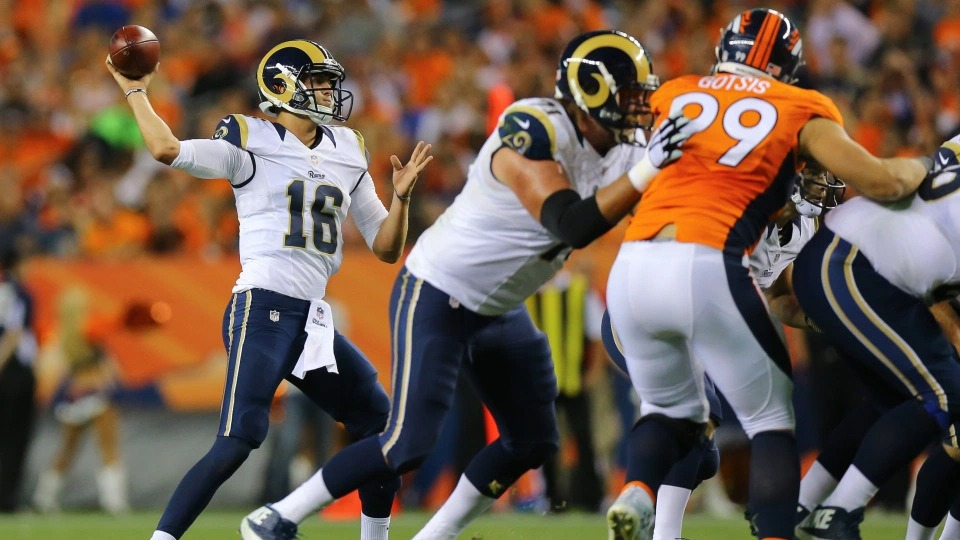 Rams vs Broncos - NFL Package in Glendale - NFL Sunday Ticket Games in October - Kimmyz on Greenway - Image credit Getty Images