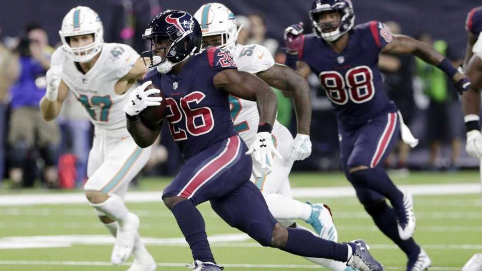 Texans vs Dolphins - NFL Sunday Ticket October - Kimmyz on Greenway - Image Credit Michael Wyke, FRE - Associated Press