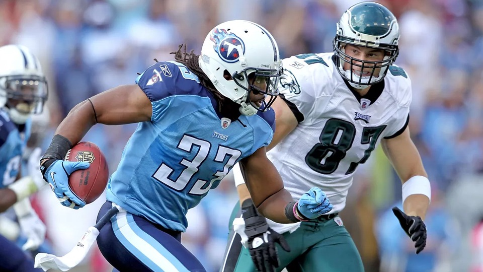 Titan vs Eagles - NFL Sunday Ticket October - Kimmyz on Greenway - Image Credit Andy Lyons-Getty Images