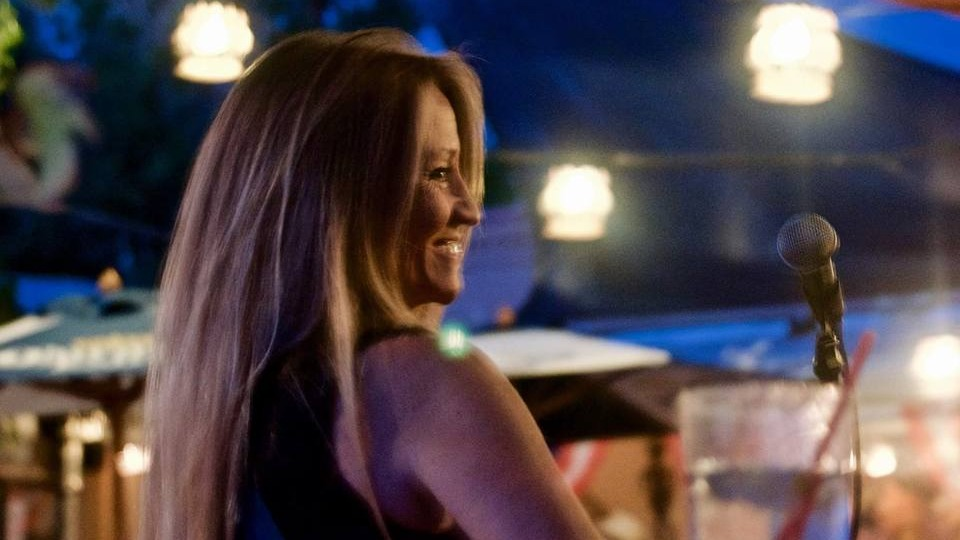 Wednesday August 4th 2021 Live Music in Glendale with Tina Bailey at Kimmyz on Greenway